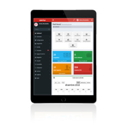 Tablet in modalità portrait che visualizza il Software Gestionale CRM Aziendale Open&Go
